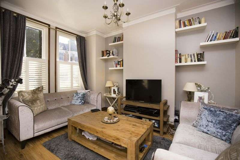 2 Bedrooms Flat for sale in Lyndhurst Road, Wood Green, N22