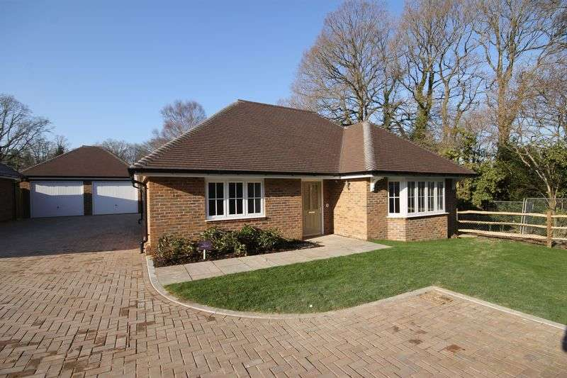 2 Bedrooms Detached Bungalow for sale in The Wiston (plot 7), Valeside Keep, Valebridge Road, Burgess Hill