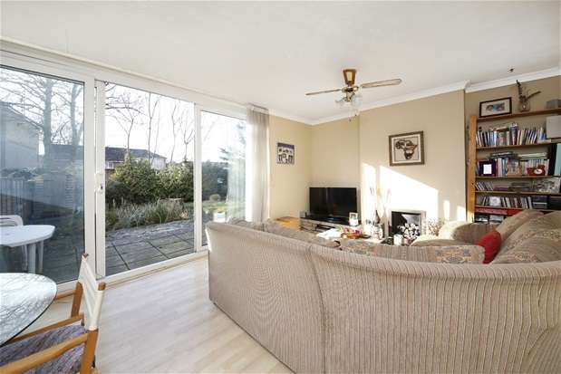 3 Bedrooms Maisonette Flat for sale in Kelyway House, Ewen Crescent, Brixton