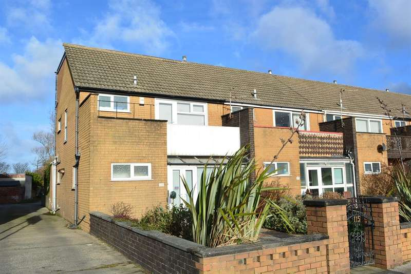 4 Bedrooms End Of Terrace House for sale in Squires Gate Lane, Blackpool, FY4 1QW