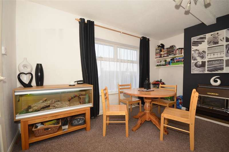 3 Bedrooms Terraced House for sale in Westbury Crescent, Dover, Kent