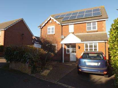 4 Bedrooms Detached House for sale in Yeovil, Somerset, England