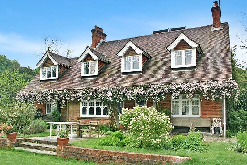 6 Bedrooms Country House Character Property for sale in Shobley, Ringwood BH24