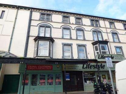 2 Bedrooms Flat for sale in Clonmel Street, Llandudno, Conwy, LL30