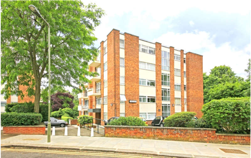 1 Bedroom Flat for sale in JAMES CLOSE, WOODLANDS, GOLDERS GREEN, LONDON, NW11