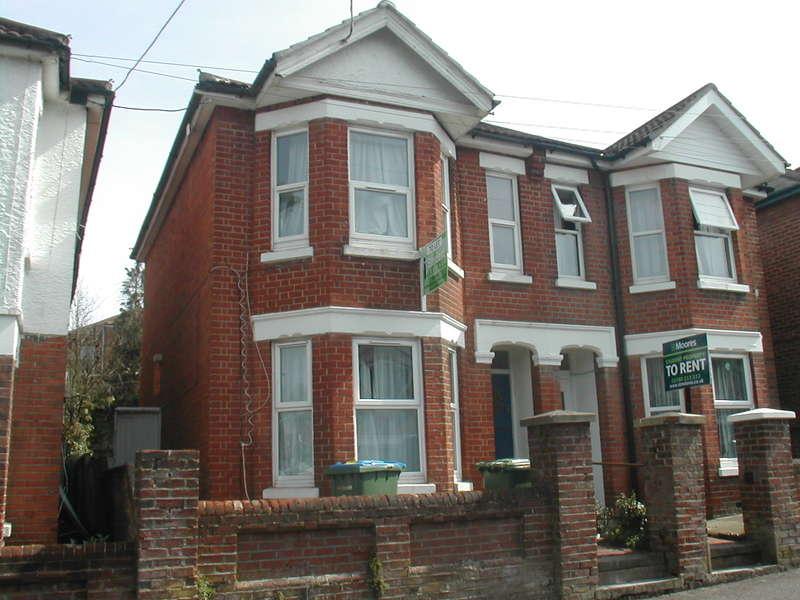 5 Bedrooms Detached House for rent in Burlington Road,