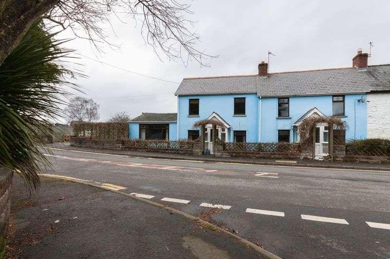 3 Bedrooms Semi Detached House for sale in Penperlleni, Pontypool