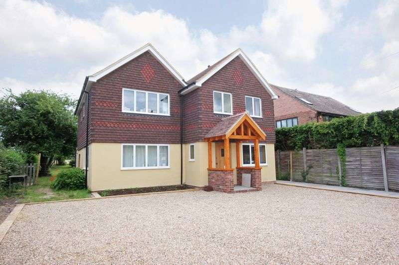4 Bedrooms Detached House for sale in New Hall Lane, Small Dole