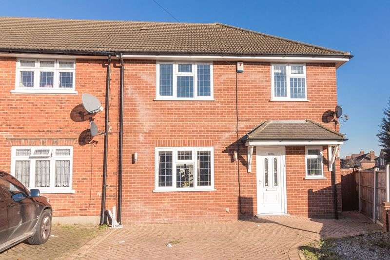 3 Bedrooms House for sale in Tomswood Hill, Barkingside
