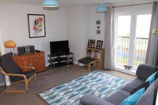 2 Bedrooms Apartment Flat for sale in Greenfield Road, Keynsham, BS31