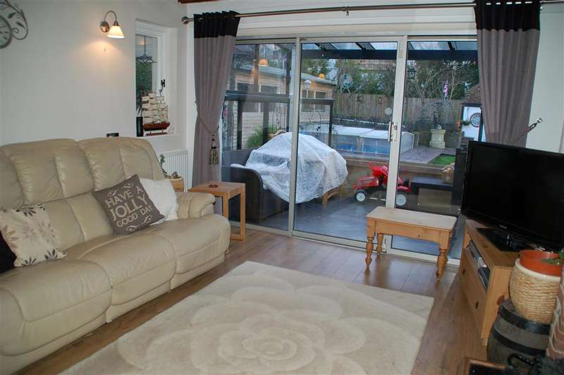 3 Bedrooms Detached Bungalow for sale in Northdown Way, Margate, Kent