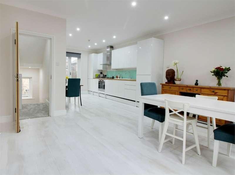 2 Bedrooms Flat for sale in Regina Road, Stroud Green, London