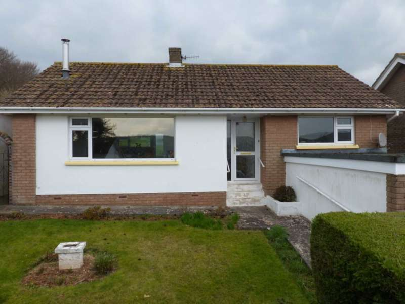 2 Bedrooms Detached Bungalow for sale in Green Park Way, Chillington