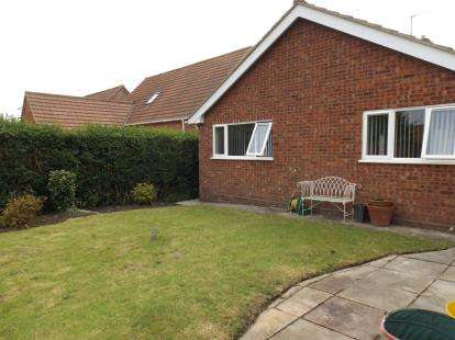2 Bedrooms Bungalow for sale in Overstrand, Cromer, Norfolk