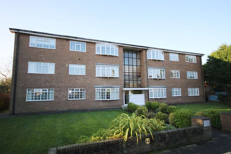 2 Bedrooms Flat for sale in Henley Drive, Hesketh Park, Southport