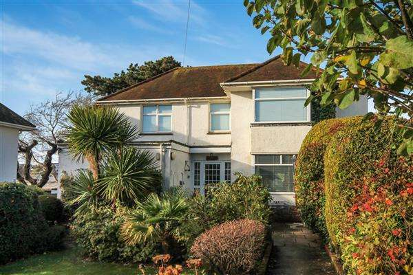 2 Bedrooms Flat for sale in Twemlow Avenue, Poole