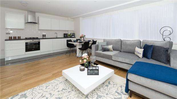 1 Bedroom Apartment Flat for sale in London Road, Bracknell
