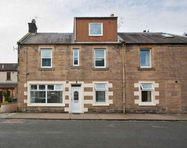 3 Bedrooms Flat for sale in Abbots Place, Galashiels, Borders, TD1 3BU