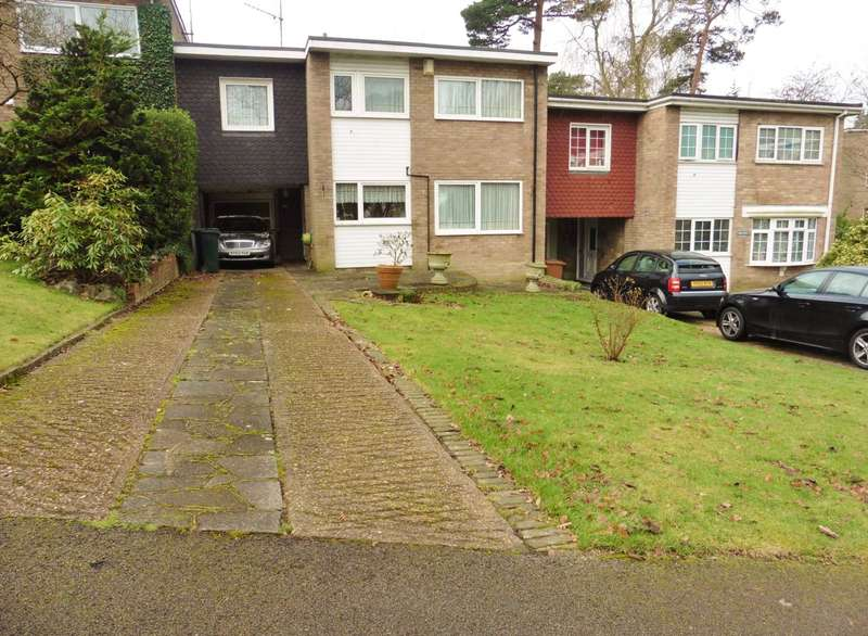 3 Bedrooms Link Detached House for sale in On The Hill, Carpenders Park