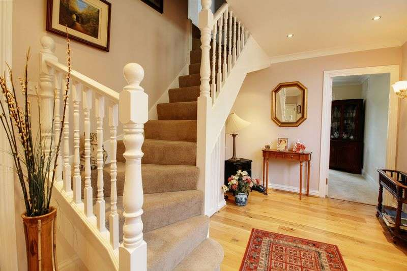 3 Bedrooms House for sale in Northaw Road East,