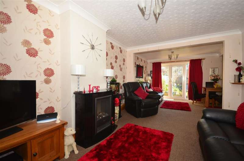 3 Bedrooms Terraced House for sale in Wentworth Drive, Ramsgate, Kent