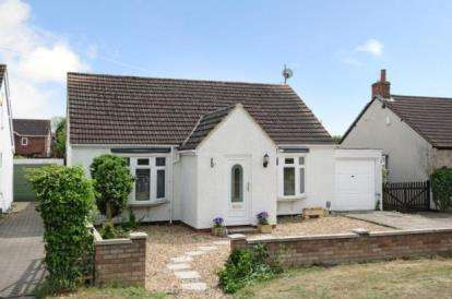 4 Bedrooms Bungalow for sale in Stagsden Road, Bromham, Bedford, Bedfordshire