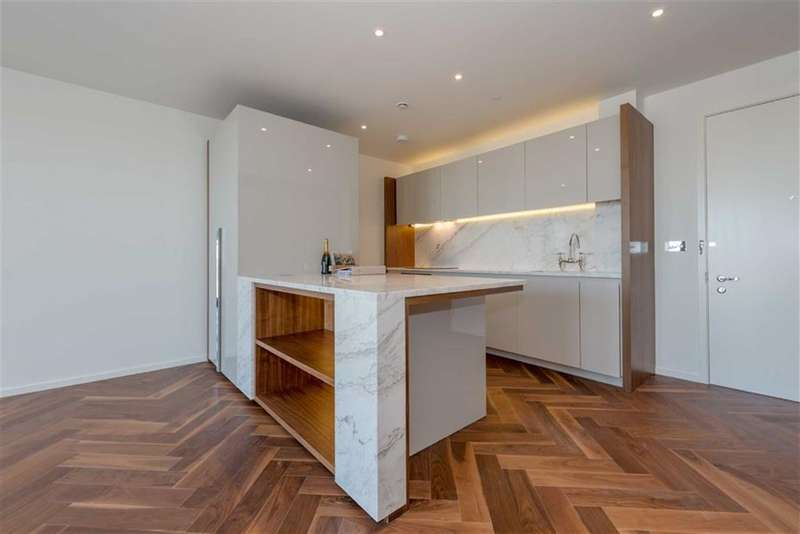 2 Bedrooms Property for sale in Ambassador Building, Embassy Gardens, Vauxhall, London, SW8