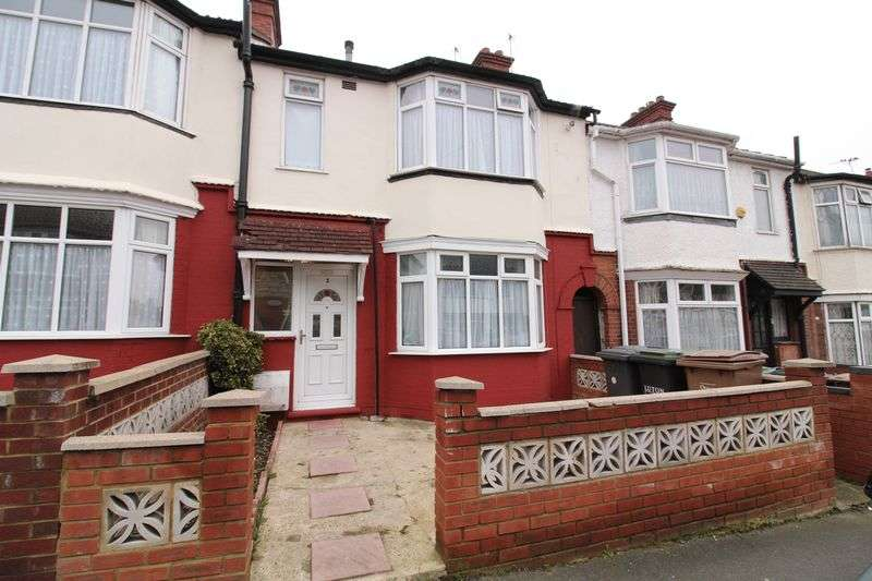 3 Bedrooms Terraced House for sale in Immaculate Three Bed