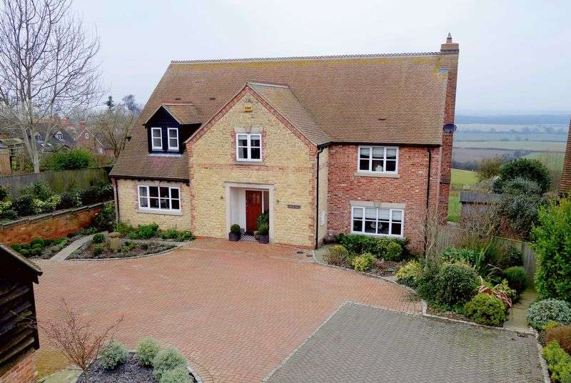 4 Bedrooms Detached House for sale in Ashendon, Buckinghamshire