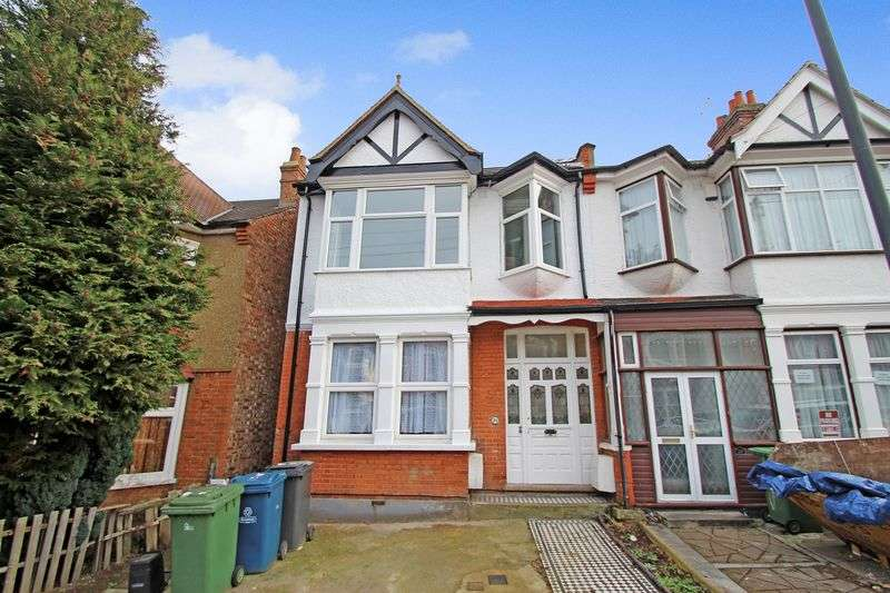 2 Bedrooms Flat for sale in Rutland Road, West Harrow