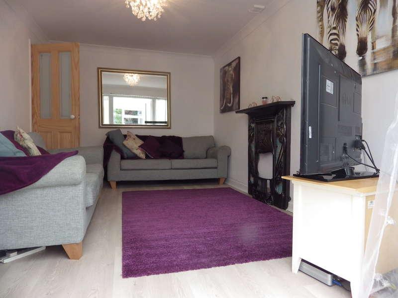 3 Bedrooms Detached House for sale in Elizabeth Avenue, Kirk Sandall, Doncaster