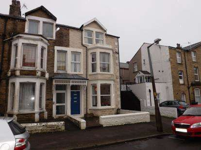2 Bedrooms Flat for sale in Chatsworth Road, Morecambe, Lancashire, United Kingdom, LA3
