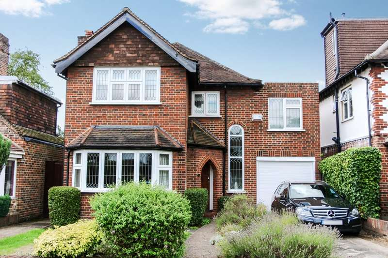 4 Bedrooms Detached House for sale in Woodlands Avenue, New Malden
