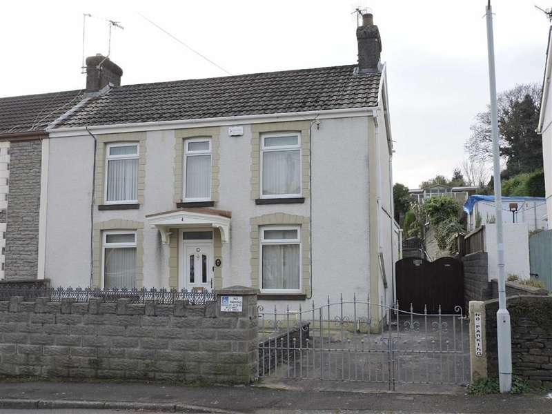 3 Bedrooms Property for sale in Station Road, Glais