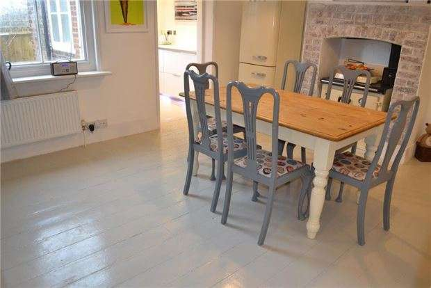 3 Bedrooms Semi Detached House for sale in Kimberley Cottages, Hooe, BATTLE, East Sussex, TN33 9EW