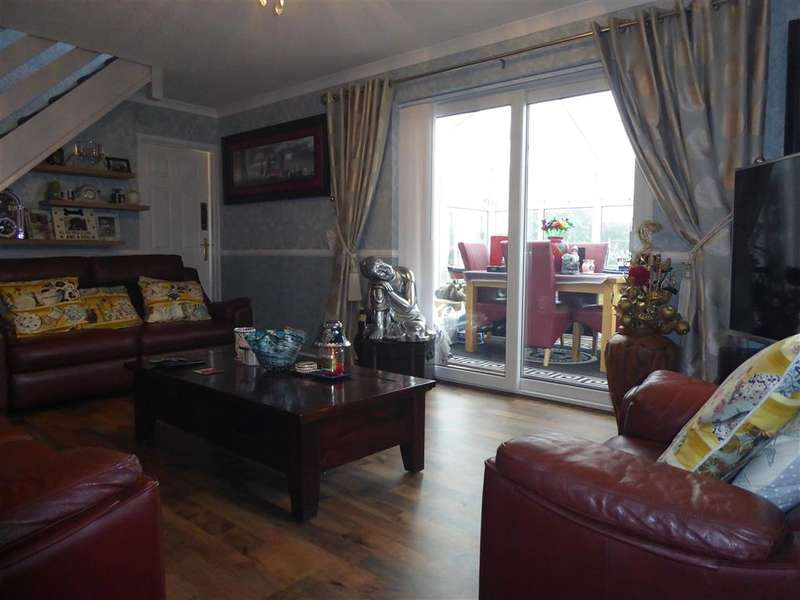 2 Bedrooms Semi Detached House for sale in Home Farm Close, Sandown, Isle of Wight