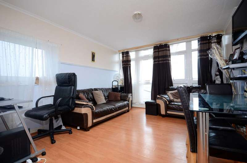 2 Bedrooms Flat for sale in Rymill Street, Silvertown, E16