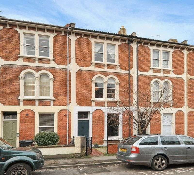 4 Bedrooms Terraced House for sale in Sunningdale, Clifton