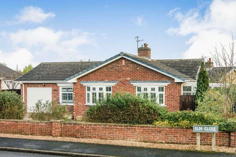 3 Bedrooms Detached Bungalow for sale in Elm Close, Long Bennington
