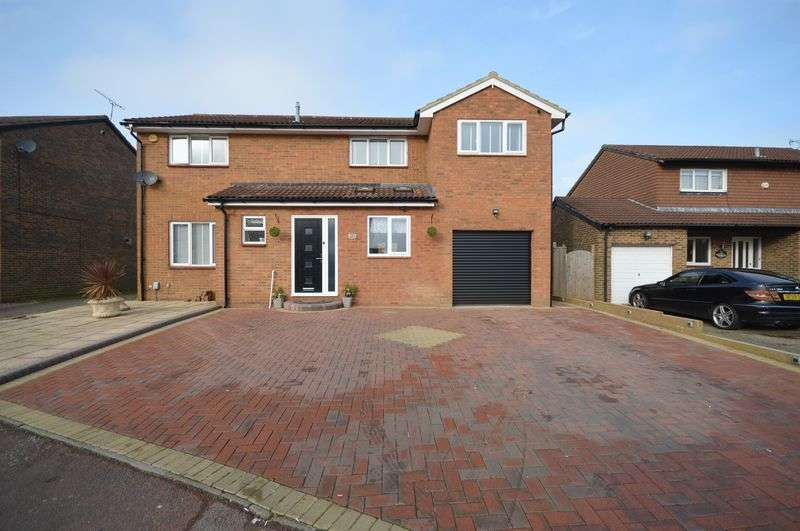 5 Bedrooms Detached House for sale in Hardwick Green, Luton