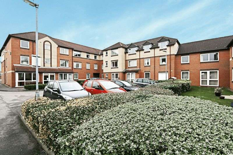 1 Bedroom Flat for sale in Albion Court, Anlaby Common