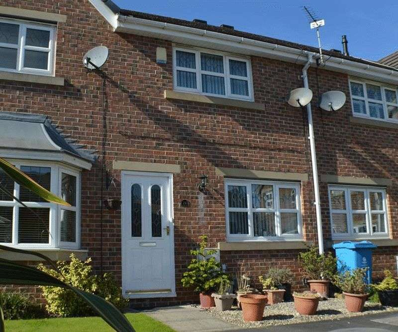 3 Bedrooms House for sale in Woodside Close, Oldham