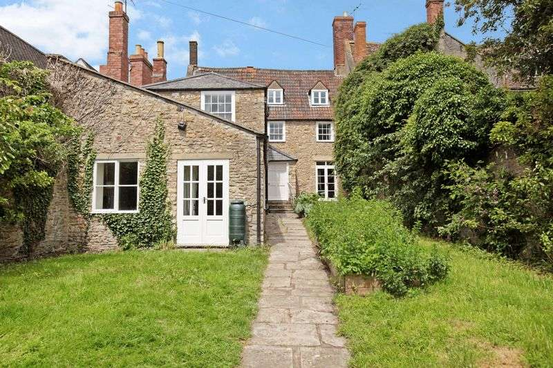 4 Bedrooms House for sale in BRUTON-STUNNING TOWN HOUSE WITH CONVERTED COACH HOUSE, PARKING AND WALLED GARDEN.