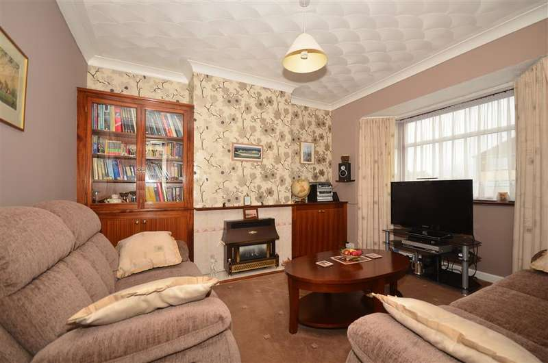3 Bedrooms Semi Detached House for sale in Station Approach Road, Ramsgate, Kent