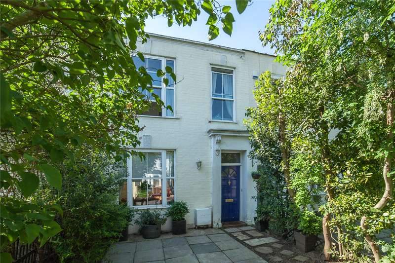 3 Bedrooms Terraced House for sale in Stanhope Road, North Finchley, London, N12