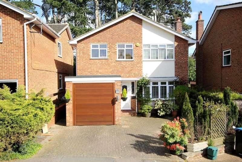 4 Bedrooms Detached House for sale in 4 BED DETACHED with ENSUITE in St Nicholas Mount