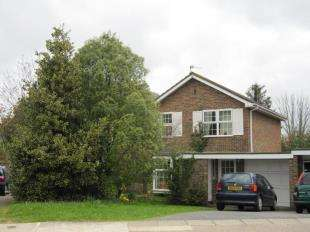 3 Bedrooms Link Detached House for sale in Harkness Drive, Canterbury, Kent