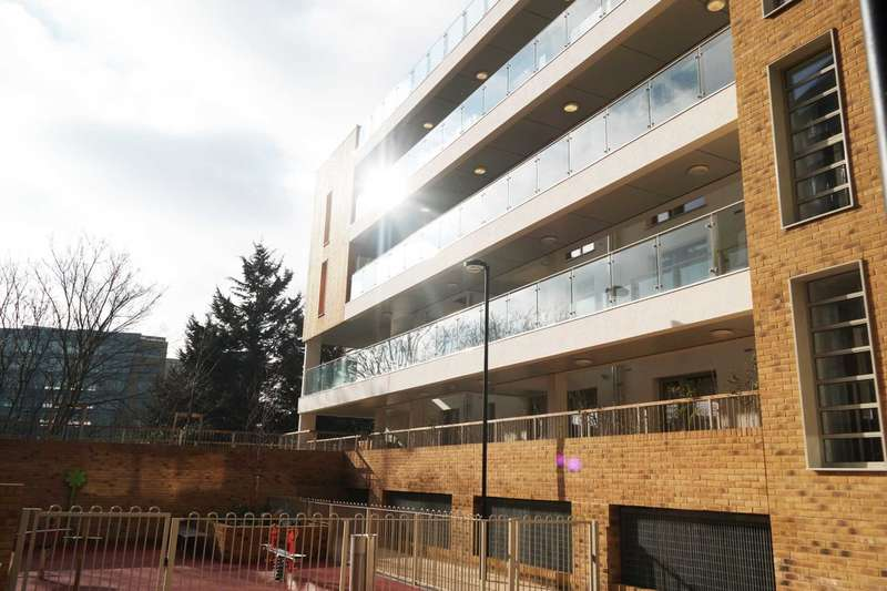 1 Bedroom Apartment Flat for sale in Trent House, Kidwells Close