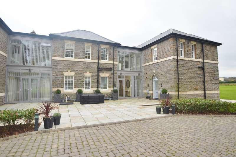 2 Bedrooms Flat for rent in 4 Branden House, Hensol Castle Park, Hensol, Vale Of Glamorgan, CF72 8JY