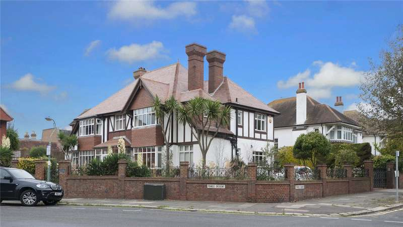 5 Bedrooms Detached House for sale in Princes Square, Hove, East Sussex, BN3